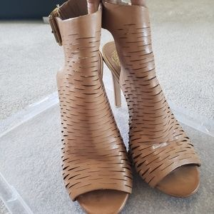 Vince Camuto Kayjay Bootie Sandal 6.5M